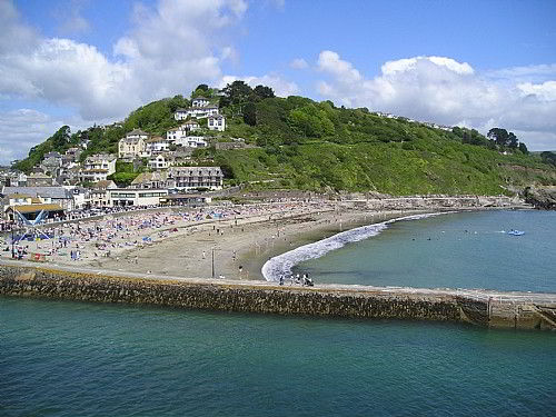 We are only a couple of minutes level walk to Looe beach
