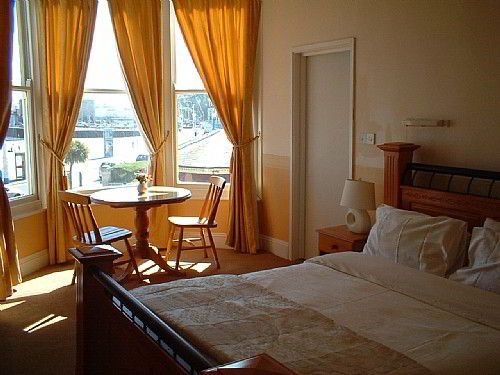 A premier sea view room, typical of the comfort of all rooms.