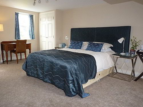 Room 7 is on the 2nd floor,  5 foot double bed, 3 foot single bed, very large comfortable room