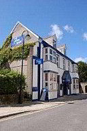 The Lounge Bar And B&B., Bed and Breakfast Accommodation, Camborne