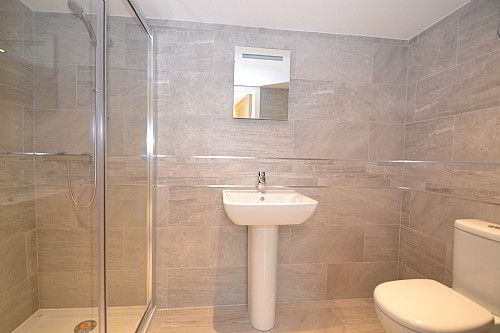 En-Suite Bathroom @ Sidmouth Bed and Breakfast